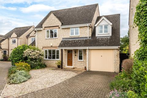 4 bedroom detached house for sale - Woods Close, Sherston