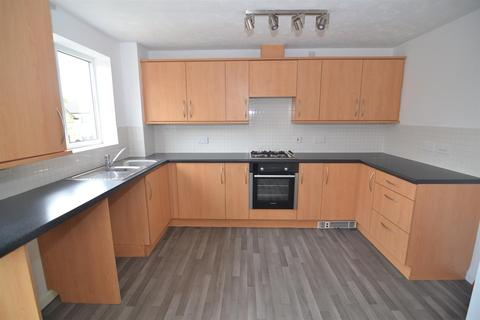 3 bedroom semi-detached house to rent - Sharket Head Close, Queensbury, Bradford