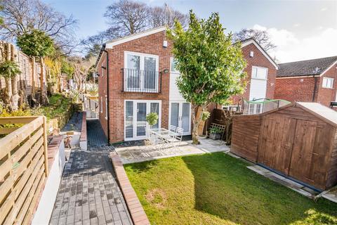 3 bedroom semi-detached house to rent - Tinshill Road, Cookridge
