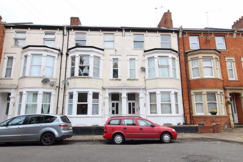 Studio to rent - Colwyn Road, Abington, Northampton