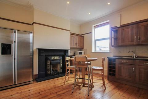 3 bedroom flat to rent - Cathedral Road, Pontcanna