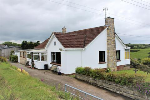 3 bedroom detached bungalow for sale - Lincombe, Lee