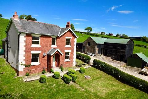 4 bedroom property with land for sale - Bryntawel, Llanfair Caereinion, Welshpool, Powys, SY21