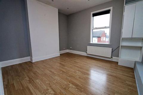 1 bedroom ground floor maisonette to rent - Benares Road, Plumstead, London, SE18