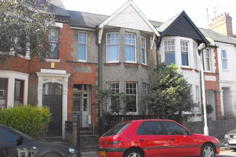 3 bedroom house to rent - QUEENS PARK - UNFURNISHED.
