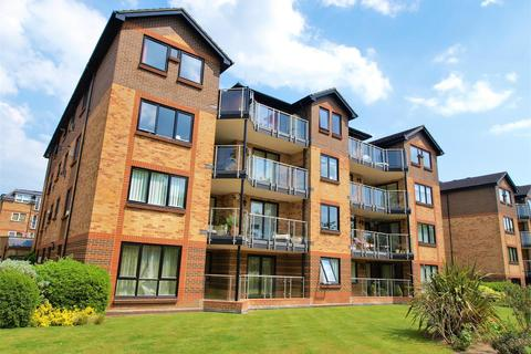 3 bedroom apartment for sale - Blyth Road, Bromley, BR1