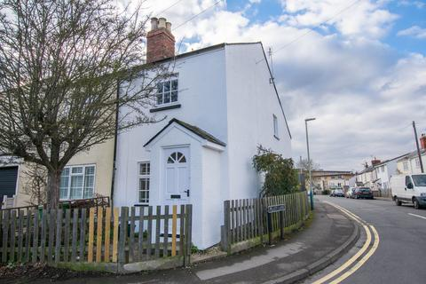 2 bedroom semi-detached house to rent - Old Bath Road, Cheltenham