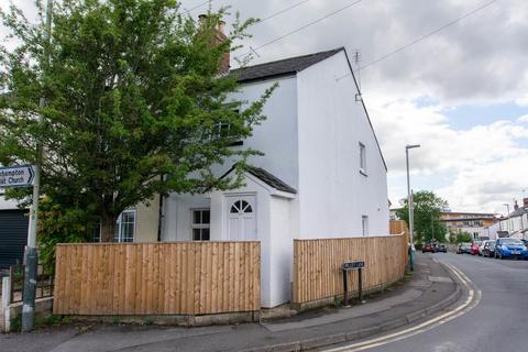 2 bedroom semi-detached house to rent - Old Bath Road, Cheltenham GL53 9AJ