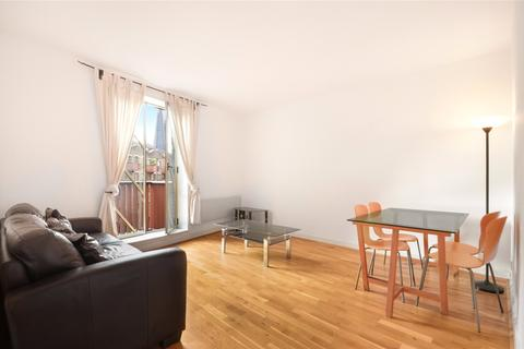 1 bedroom flat to rent - The Circle, Queen Elizabeth Street, London, SE1