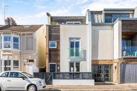 4 bedroom terraced house for sale - Coleridge Street, Hove, East Sussex, BN3