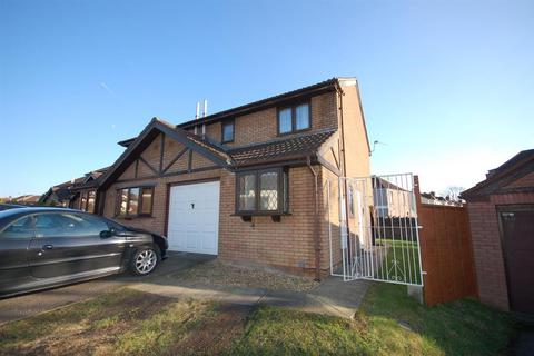 3 bedroom semi-detached house to rent - School Walk, Whitehall, Bristol BS5 7BY