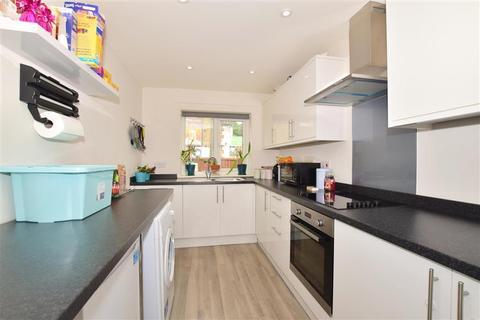 3 bedroom end of terrace house for sale - Astor Avenue, Dover, Kent