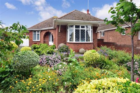 2 bedroom detached bungalow for sale - Broadstairs Road, Broadstairs, Kent