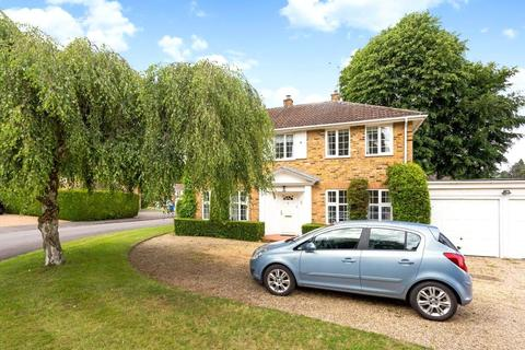 4 bedroom detached house to rent - Walton Drive, Ascot, Berkshire