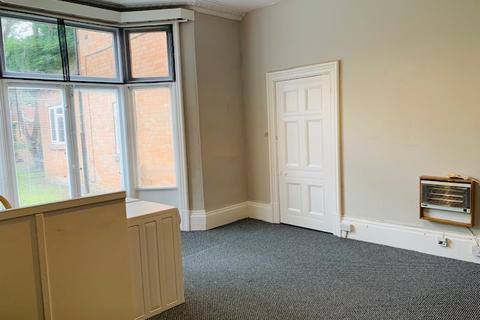 Studio to rent - FLAT 2, STRENSHAM HILL, MOSELEY, BIRMINGHAM B13