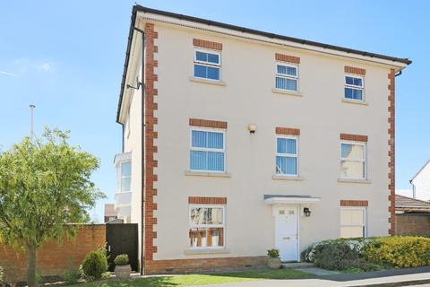 5 bedroom detached house for sale - Romney Point, Repton Park, Ashford, TN23 3GD