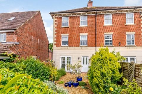 4 bedroom semi-detached house for sale - Maurice Way, Marlborough, Wiltshire, SN8