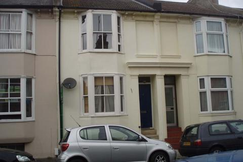 3 bedroom terraced house to rent - Park Crescent Road, Lewes Road