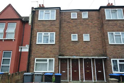 3 bedroom maisonette to rent - Pine Road, Cricklewood NW2
