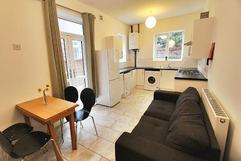 4 bedroom house to rent - Richmond Road, Fallowfield, Manchester, M14