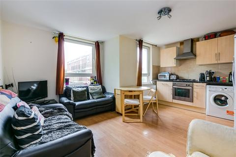 4 bedroom flat to rent - Wallis Close, London, SW11