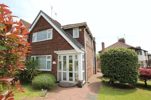 3 bedroom semi-detached house to rent - Castleway, Salford, Greater Manchester, M6