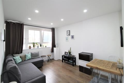 1 bedroom flat to rent - Meakin Estate, Rothsay Street, London, SE1