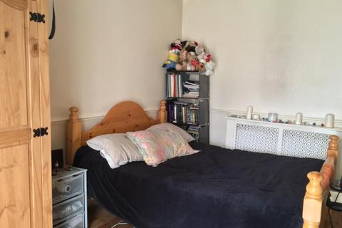 3 bedroom flat to rent - Riffel Road, NW2