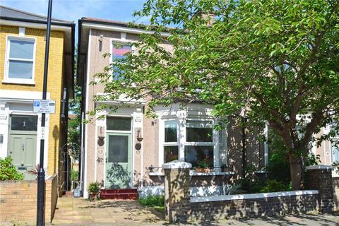 2 bedroom flat for sale - Lenham Road, Lee, London, SE12