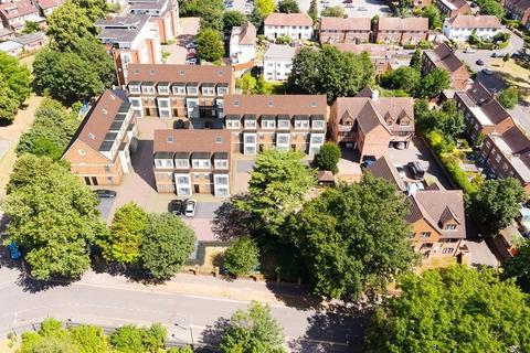 Studio for sale - Shaftesbury Court, 18 Chalvey Park, Slough, SL1
