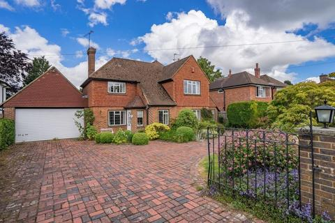 3 bedroom detached house for sale - The Crescent, Bidborough