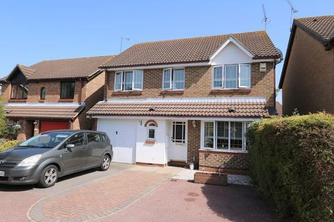 4 bedroom detached house to rent - Bentley Drive, Harlow