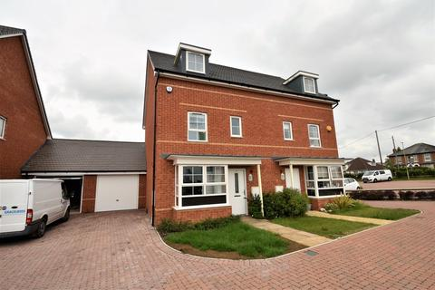 4 bedroom townhouse for sale - Bamber Close, West End