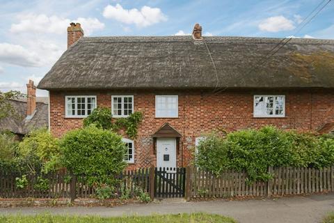 4 bedroom cottage for sale - High Street, Long Wiitenham