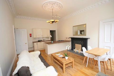 4 bedroom flat to rent - Oxford Street, Edinburgh