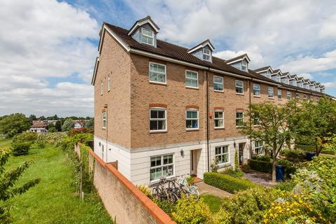 5 bedroom end of terrace house for sale - Evening Court, Cambridge