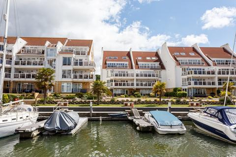 3 bedroom apartment for sale - Moriconium Quay, Lake Avenue