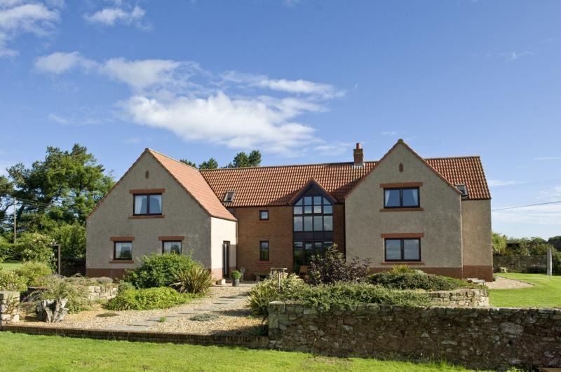 4 Bedrooms Detached House for sale in Whitfield Steading, Coldingham, Eyemouth, Berwickshire, Scottish Borders