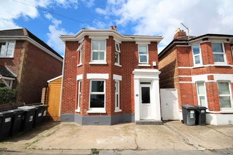 4 bedroom detached house for sale - Wolverton Road, Bournemouth, BH7
