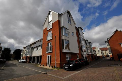 2 bedroom apartment to rent - Pearl Square, Chelmsford, CM2