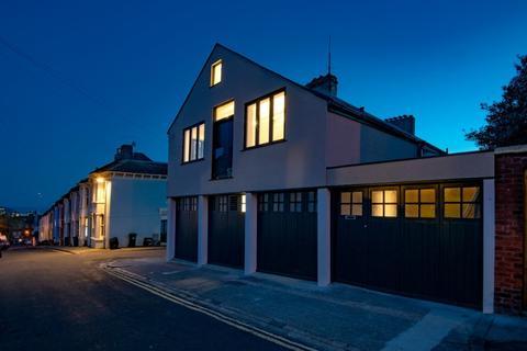 3 bedroom semi-detached house for sale - Belton Road, Brighton, , BN2
