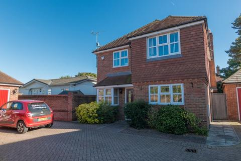 4 bedroom detached house to rent - Haysoms Drive, , Greenham, RG19 8EY