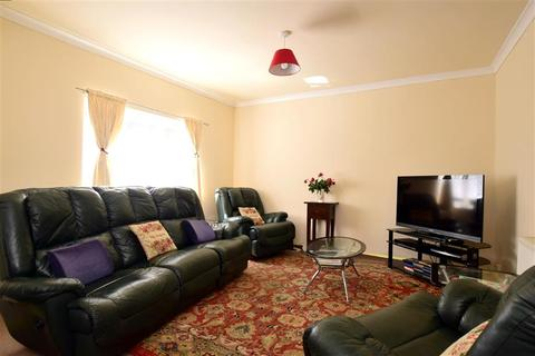 4 bedroom bungalow for sale - The Highway, Newhaven, East Sussex