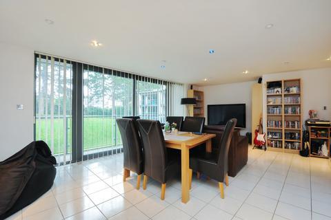 2 bedroom flat to rent - The Crescent, Gloucester Road, Cheltenham