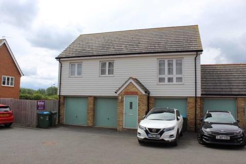 2 bedroom coach house for sale - Avalon Street, Aylesbury