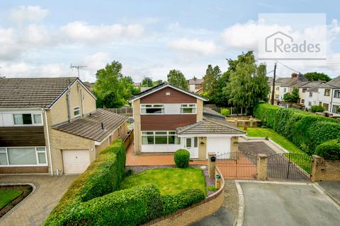 3 bedroom detached house for sale - Maxwell Close, Buckley CH7 3