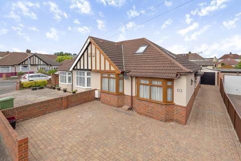 3 bedroom bungalow for sale - Heversham Road Bexleyheath DA7