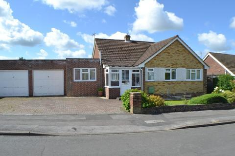 4 bedroom detached bungalow for sale - Clayhill Crescent Newbury