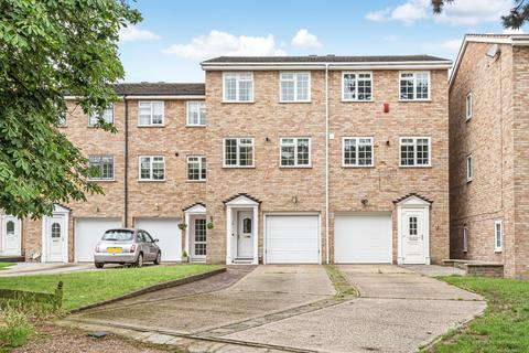 4 bedroom townhouse for sale - Coniston Road Bromley BR1