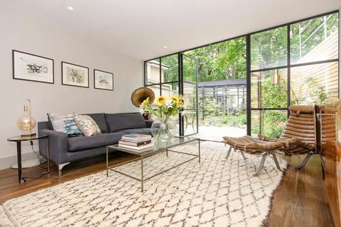 4 bedroom end of terrace house for sale - Acorn Terrace, Archway Road, Highgate, N6